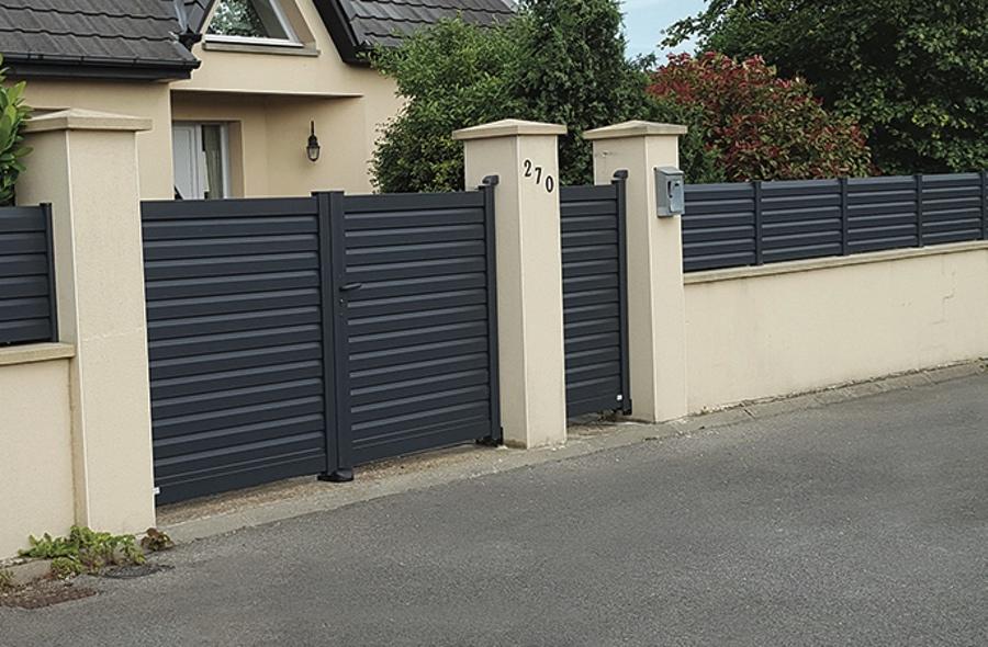 Portail et portillons de fabrication fran aise sur mesure aluminium contemporain for Fabricant de portail sur mesure
